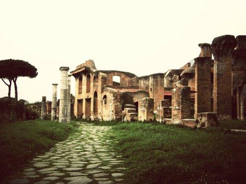ostia antica almacenes