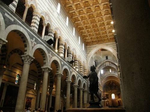 Interior del duomo de Pisa